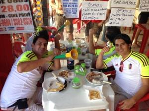 Comiendo en los alrededores del Arena Fonte Nova